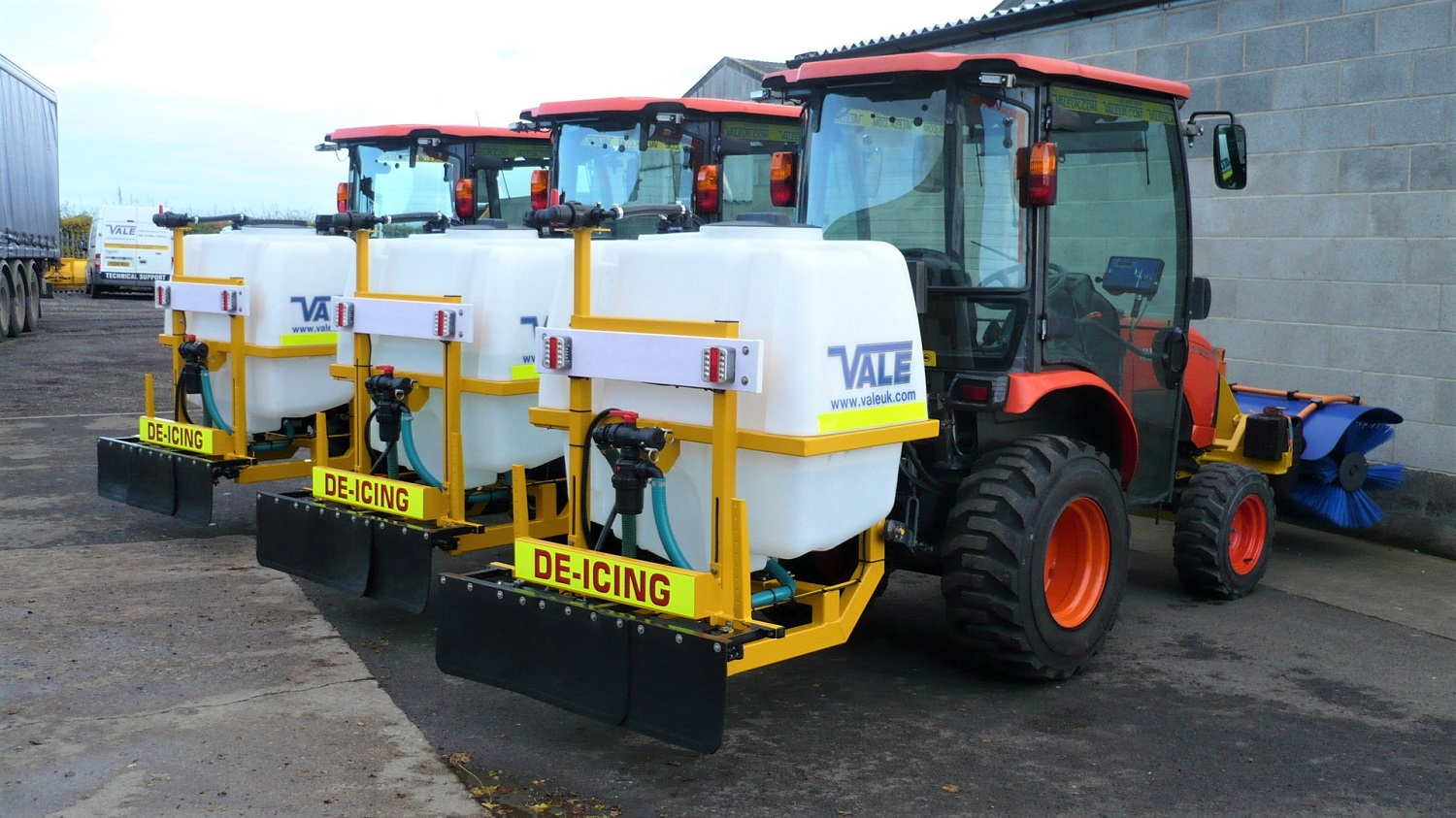 Liquid De-icerSnowbrush Mini-Tractor Combi - the equipment of choice for many local authority clients including major metropolitan districts and unitary authorities