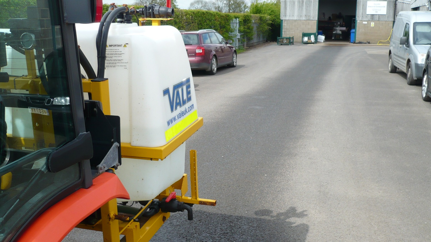 Liquid De-icerSnowbrush Mini-Tractor Combi - electrically controlled spraying nozzles including automatic stop/start and automatic sensors to control the application rate