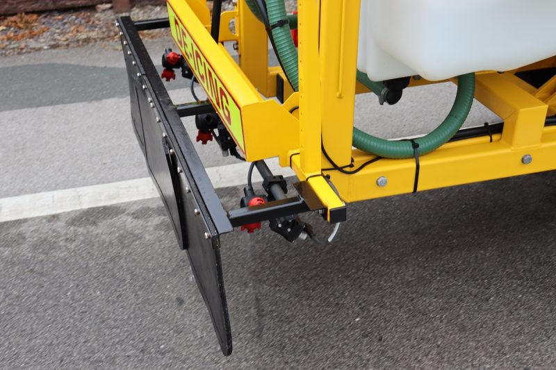 Liquid De-icerSnowbrush Mini-Tractor Combi - Three spraying sections including: Nearside 2m offset nozzle; Middle 1.2m wide spray bar; Offside 2m offset nozzle