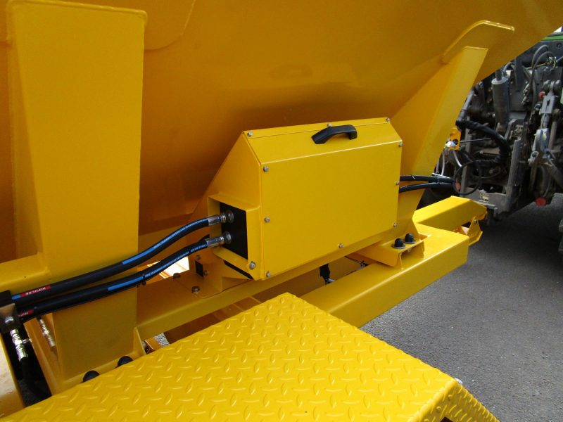 Tractor Towed Salt Spreader (Gritter) TS6000 - control box