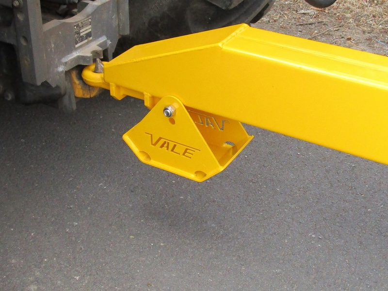 Tractor Towed Salt Spreader (Gritter) VALE TS6000 - Heavy duty agricultural towing eye